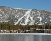 Close to Heavenly - Tahoe Lakeshore Lodge & Spa