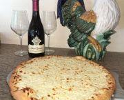 White Pizza - Tomaato's Pizza Lake Tahoe