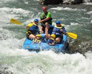 1/2 Day Tour - Truckee River: Verdi to Mayberry (Class III) - Tahoe Whitewater Tours
