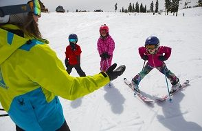 Tahoe Donner Downhill Ski Area, Learn to Ski or Snowboard