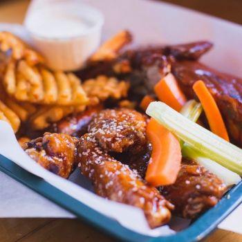 Bridgetender Tavern & Grill, Ribs & Wings & Fries