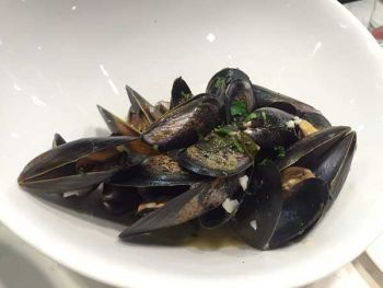 The Oyster Bar, Steamed Mussels