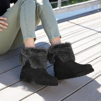 What a Girl Wants, Bearpaw Boots