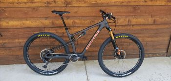 Village Ski Loft & Bike Shop, 2022 Santa Cruz Blur TR XO1