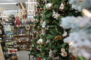 Mountain Hardware & Sports, Decorations for the Holidays