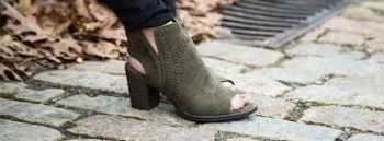 What a Girl Wants, Great Shoes & Boots