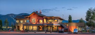 Truckee Tahoe Airport photo