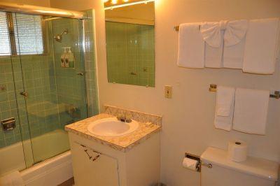 Cedar Inn & Suites photo
