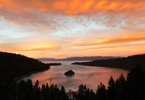 Lake Tahoe Sightseeing Cruises, M. S. Dixie Sunset Dinner Cruise